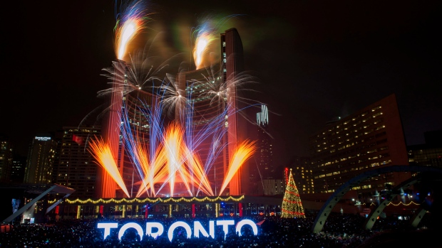 new-years-eve-toronto-20151231